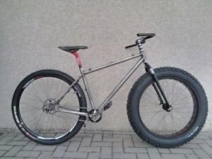 Il Modello semi fat bike di Aeko pensato per il mercato italiano