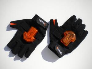 """I guanti """"made in Italy"""" acquistabili sul sito blinkme.org"""