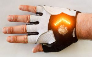 I guanti creati da Zac