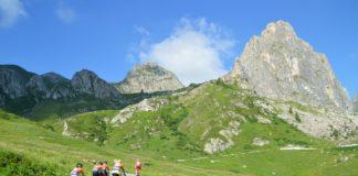 Le bici elettriche dell'EcoTeam puliranno i sentieri di montagna alla Fausto Coppi Officine Mattio