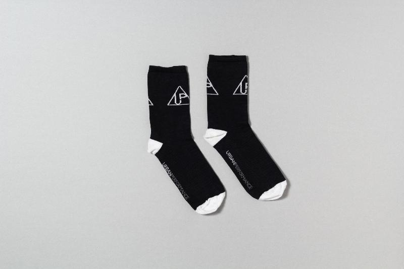 cal004_roam-socks