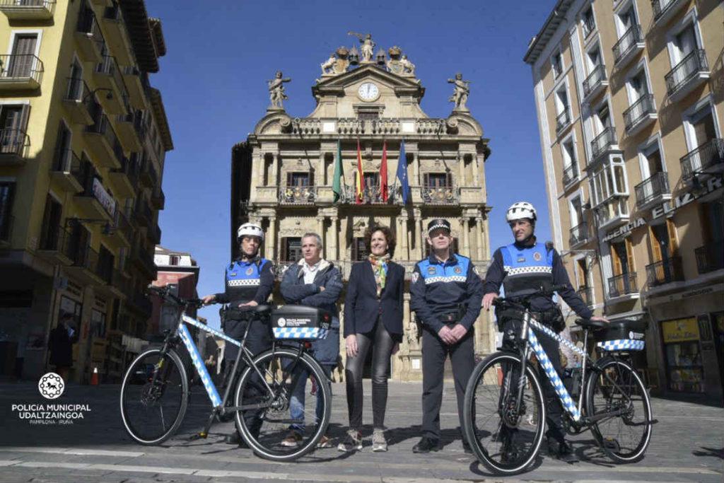 pamplona polizia bicicletta